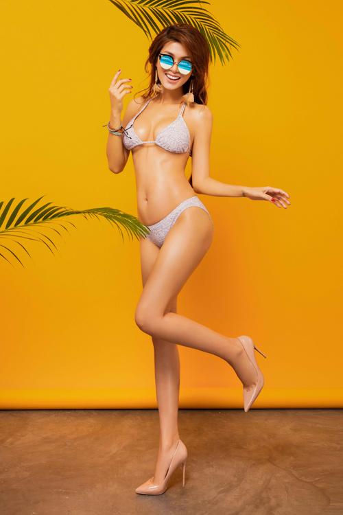 """Hoa hậu """"thi chui"""" Oanh Yến quá nóng bỏng với bikini - 10"""
