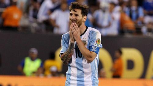 Messi gây sốc tuyên bố chia tay tuyển Argentina