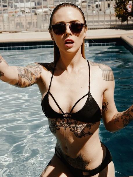 Hình xăm ngực siêu gợi cảm của hot girl Mỹ