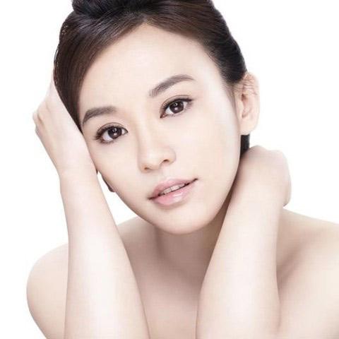 Liệu trình giúp da mặt trắng hồng 80% sau 3 tuần với White Doctors - 1