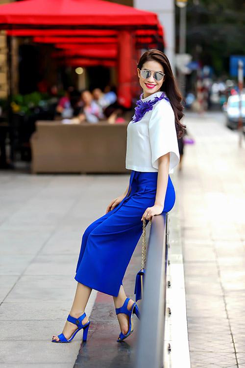 Học hoa hậu Phạm Hương diện đồ thanh lịch tới công sở - 5
