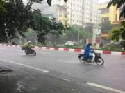 Tin tức trong ngày - Đầu tuần, áp thấp nhiệt đới gây mưa dông trên diện rộng
