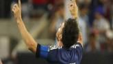 Messi thẫn người, đổ lệ nhìn Chile nhảy múa (CK Copa America 2016)