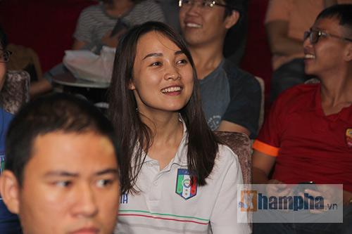 Fan Việt yêu ĐT Ý hét khản giọng, bật khóc vì thắng TBN - 6