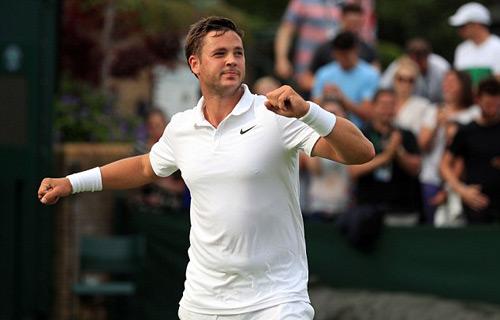 """Wimbledon: Tay vợt vô danh """"đổi đời"""" nhờ người yêu - 1"""