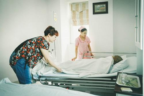 Tình nghệ sĩ giữa cơn bạo bệnh của NSƯT Hán Văn Tình - 1
