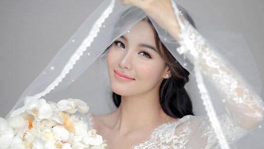 Bí mật sau vẻ đẹp lộng lẫy của cô dâu Kỳ Hân
