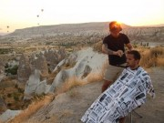 Du lịch - Chàng trai đi khắp thế giới để cắt tóc miễn phí