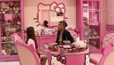 """Clip: Ngắm ngôi nhà của cô gái """"cuồng"""" Hello Kitty"""
