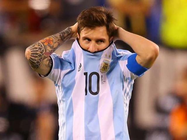 Trăm nghìn fan Argentina diễu hành xin Messi ở lại