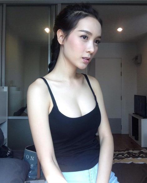 Vẻ đẹp sexy của hoa hậu người Thái từng là đàn ông - 4