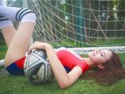 Bạn trẻ - Cuộc sống - Hot girl lai khoe chân dài miên man ủng hộ tuyển Pháp