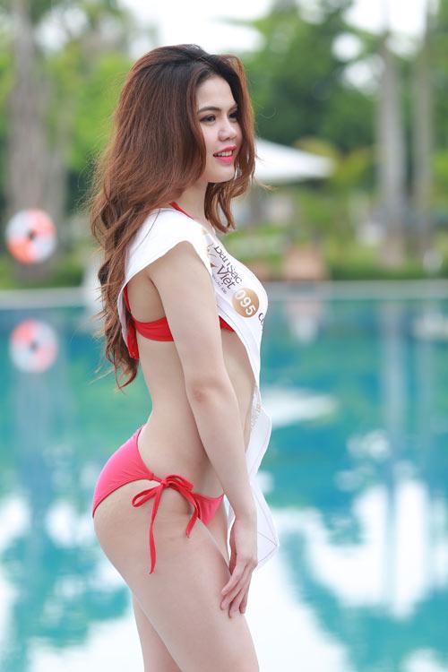 Thí sinh Hoa hậu Bản sắc Việt khoe dáng với bikini - 1
