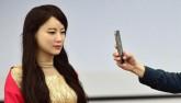 """Trung Quốc ra mắt """"thánh nữ robot"""" giống hệt người"""