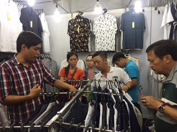 """Hàng Trung Quốc """"rất tệ"""", sao người Việt lại mua?"""