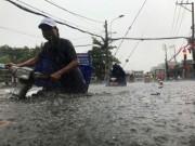Tin tức trong ngày - Sài Gòn ngập khủng khiếp sau trận mưa kéo dài 1 giờ