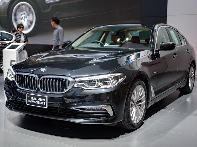 BMW 5-Series 2017 chốt giá 2 tỷ đồng tại Đông Nam Á