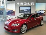 Mê mệt xe Tesla, chấp nhận xếp hàng 6 tháng để lái thử