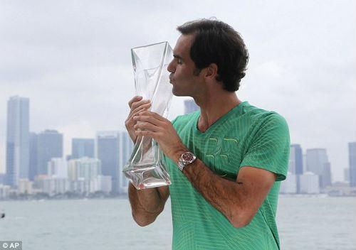 """Khuất phục Nadal, Federer tuyên bố """"xả hơi"""" dài ngày"""