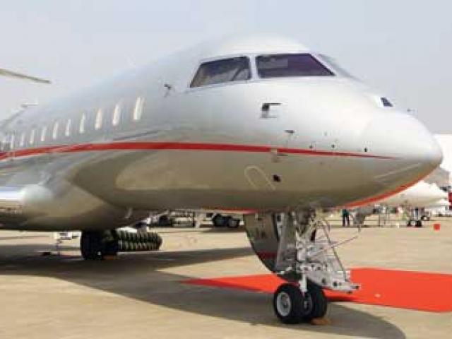 Máy bay hạ cánh Nội Bài lại bị chiếu tia laze
