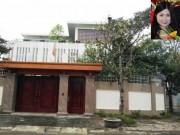 Chánh Văn phòng Sở Xây dựng giao hồ sơ gốc cho bà Quỳnh Anh
