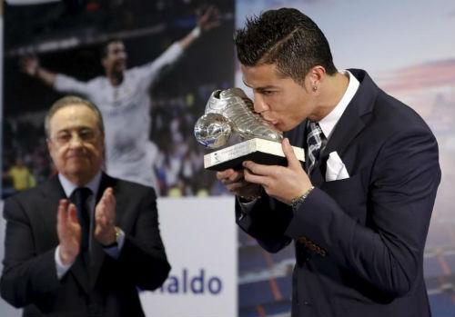 """Real: Ronaldo """"chiến tranh lạnh"""" với chủ tịch Perez, """"thả thính"""" MU - 1"""