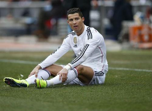 """Real: Ronaldo """"chiến tranh lạnh"""" với chủ tịch Perez, """"thả thính"""" MU - 2"""