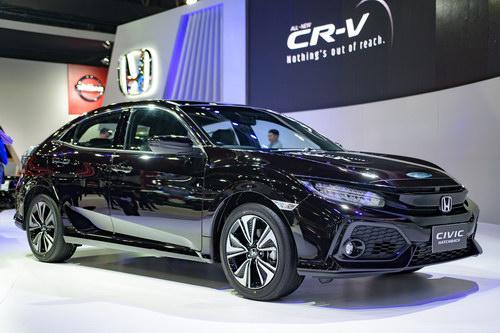 Ngắm Honda Civic Hatchback giá 764 triệu đồng mới ra mắt - 1
