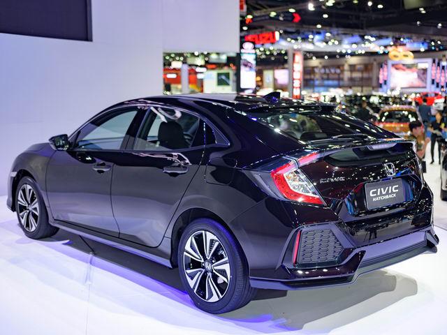 Ngắm Honda Civic Hatchback giá 764 triệu đồng mới ra mắt - 2