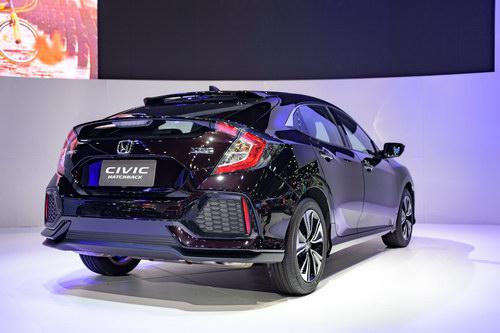 Ngắm Honda Civic Hatchback giá 764 triệu đồng mới ra mắt - 4
