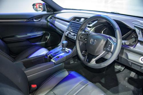 Ngắm Honda Civic Hatchback giá 764 triệu đồng mới ra mắt - 5