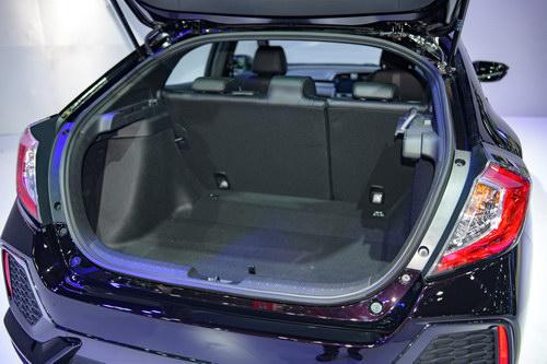 Ngắm Honda Civic Hatchback giá 764 triệu đồng mới ra mắt - 6