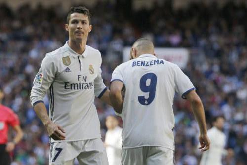 Zidane cải tổ hàng công: Cần loại Ronaldo, tìm công thức mới - 2