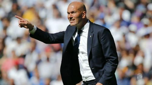 Zidane cải tổ hàng công: Cần loại Ronaldo, tìm công thức mới - 1