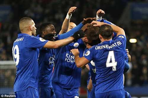 Leicester -  Sunderland: Người lên hương, kẻ xuống bùn - 1