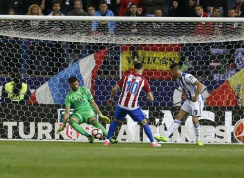 Atletico Madrid - Sociedad: Người hùng không ngờ tới