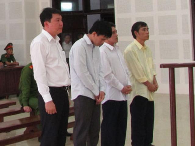 Vụ chìm tàu trên sông Hàn: Gần 30 năm tù cho 4 bị cáo