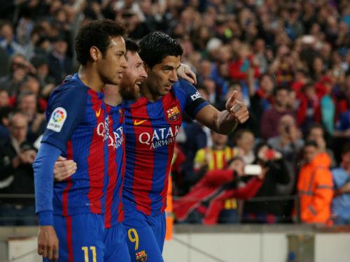 """Messi ở lại Barcelona, 150 triệu bảng xây """"vây cánh"""" - 1"""