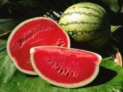 Sức khỏe đời sống - 8 lý do tuyệt vời khiến bạn phải ăn dưa hấu mùa hè này