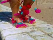 Gần 3 triệu đồng cho sandal màu mè từ Hy Lạp, bạn có muốn thử?