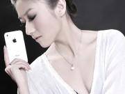 """Thời trang Hi-tech - Những cô nàng sexy trên tay iPhone """"đồ cổ"""""""