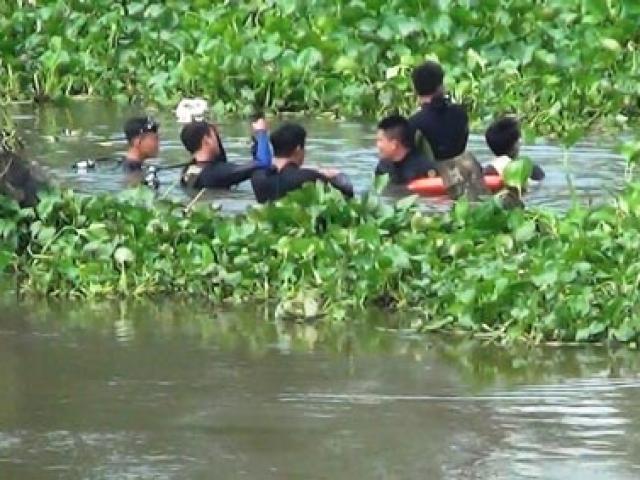 Thanh niên nhảy sông tự tử kêu cứu trước khi chìm - 2