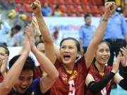 Thể thao - Vô địch bóng chuyền: Ngọc Hoa bị lấn át, Kim Huệ tỏa sáng