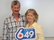 Cặp đôi không thể may hơn ở Canada: Trúng số lần thứ 3