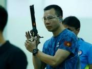 Tin thể thao HOT 8/4: Hoàng Xuân Vinh phá KLQG, giành HCV thứ 2