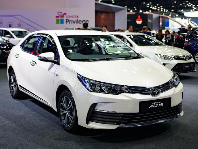 Toyota Altis 2017 giá 600 triệu đồng có gì mới?