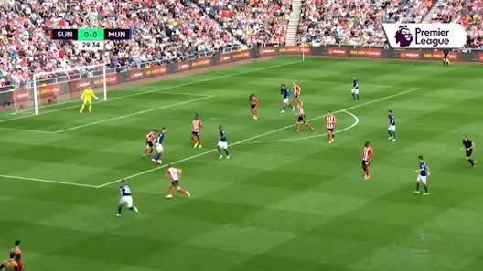 MU: Ibrahimovic nghỉ gần 1 năm, cơ hội vàng cho Rooney