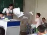 Giáo dục - du học - TQ: Tranh cãi vì bài toán, học sinh đánh bạn giữa lớp