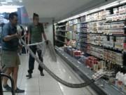 """Thế giới - Tá hỏa thấy trăn """"khủng"""" châu Phi trong tủ mát siêu thị"""