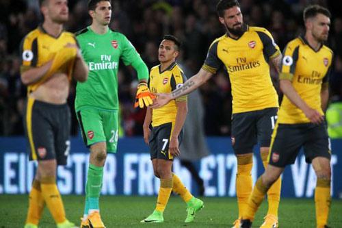 """Thua thảm, dàn sao Arsenal bị gọi là """"những kẻ hèn nhát"""" - 1"""